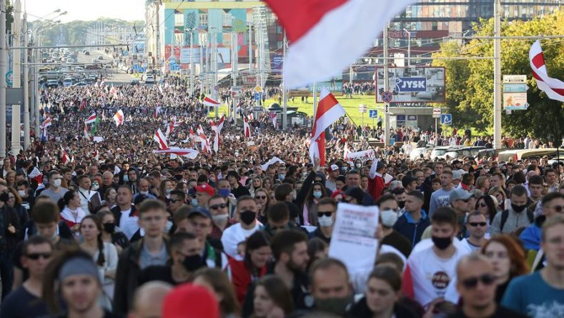 Общество: Британия требует провести новые президентские выборы в Белоруссии