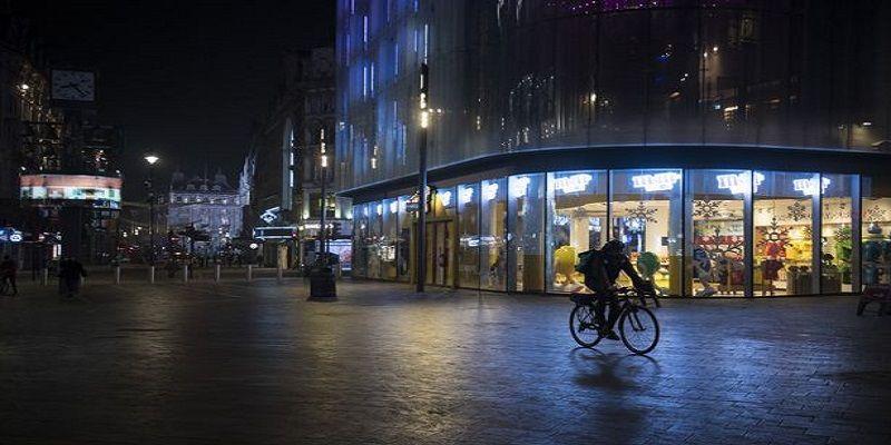 Общество: Коронавирус буйствует в Британии, в Лондоне объявлен локдаун - пустые улица попали на фото - ТЕЛЕГРАФ