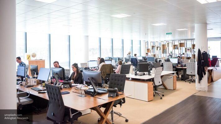 Общество: Британцы не хотят возвращаться к работе в офисах