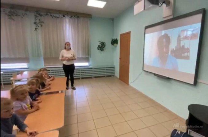 Общество: «С туманного Альбиона»: педагог из Лондона учит английскому липецких малышей