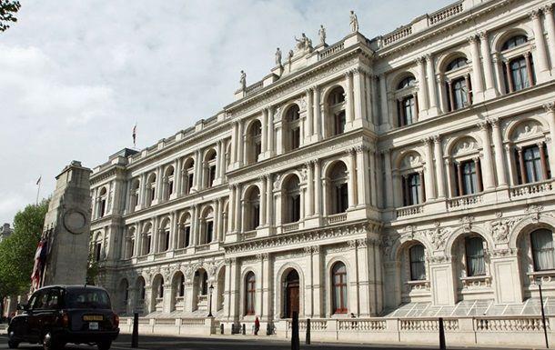 Общество: Лондон высылает двух белорусских дипломатов