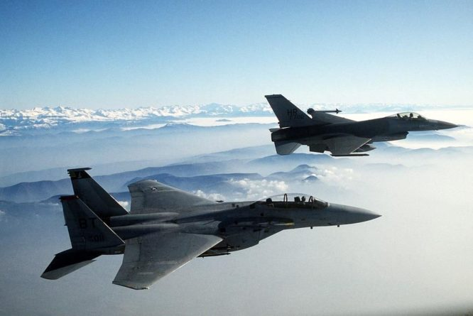 Общество: Великобритания считает, что Китай обошел Россию по авиационным технологиям