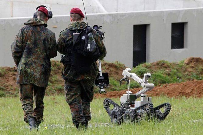 Общество: Военные Британии заявили, что к 2030 году правительство снабдит армию роботами на 25%