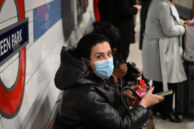 Общество: Британия стала первой европейской страной, в которой зафиксировали уже более 50 000 смертей от коронавируса