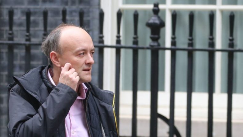 Общество: Премьер Джонсон уволил своего старшего специального советника Каммингса