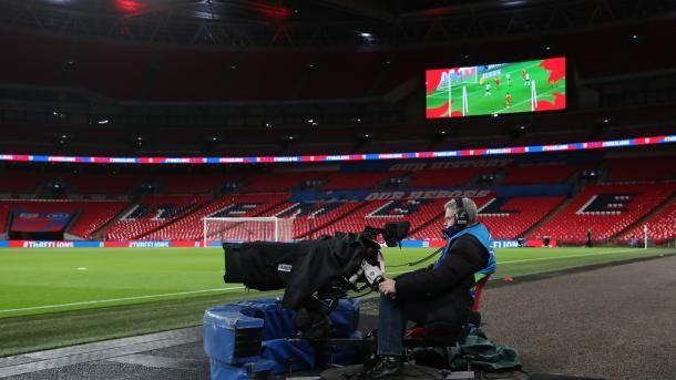 Общество: УЕФА готовится перенести все матчи Евро-2020 в Великобритании, - Daily Mail