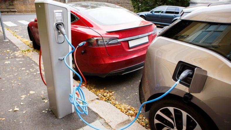 Общество: Великобритания готовится запретить продажу автомобилей с двигателями внутреннего сгорания