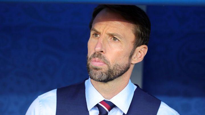 Общество: Тренер сборной Англии тайно переболел коронавирусом