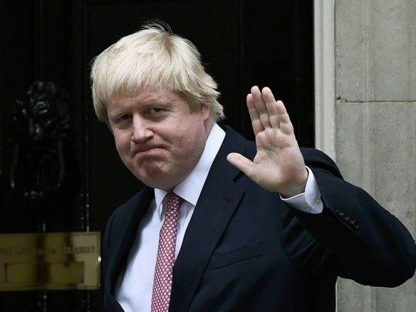 Общество: COVID-19: премьер-министр Великобритании снова пошел на самоизоляцию