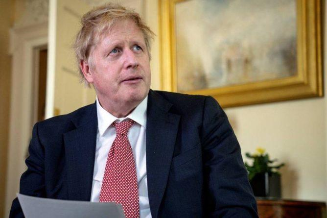 Общество: Премьер Британии Джонсон пошел на самоизоляцию