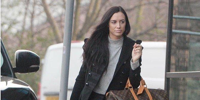 Общество: После ареста легенды Манчестер Юнайтед. Экс-девушка бывшего футболиста впервые появилась на публике с синяком на лице — фото