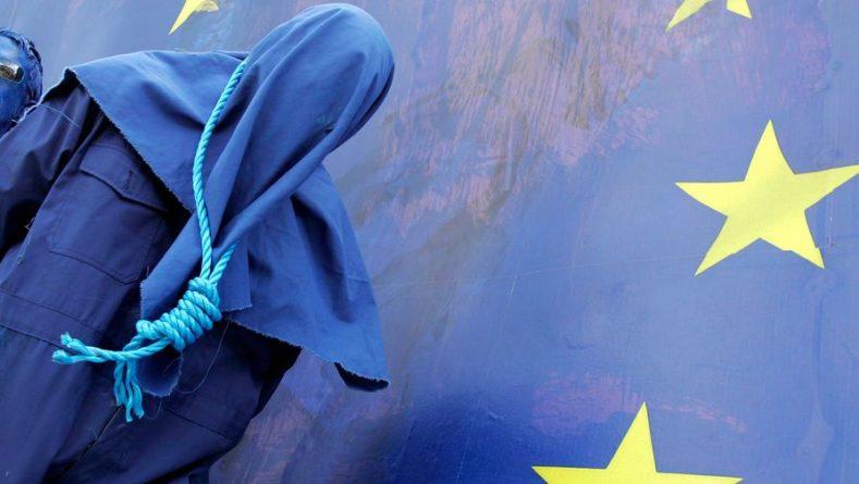 Общество: ЕС, Великобритания и США призвали Минск уважать свободы белорусского народа