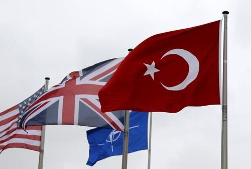 Общество: Новое сближение Лондона и Анкары не сулит России ничего хорошего