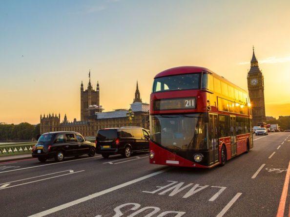Общество: Великобритания запретит продажу новых бензиновых авто с 2030 года