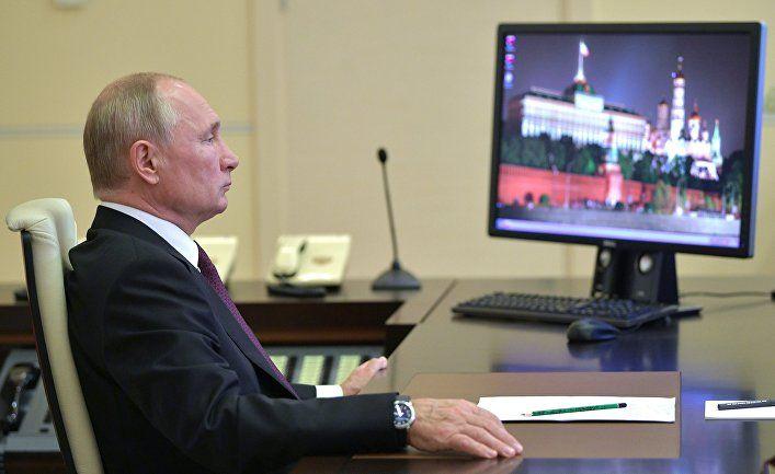 Общество: Британцы: Путин закашлялся? Ничего страшного — от «Спутника V» становишься силен, как медведь