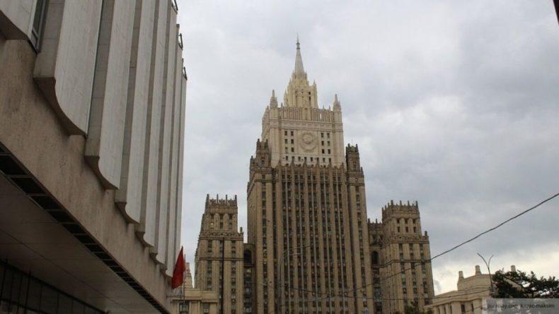 Общество: Россия вводит санкции против 25 граждан Великобритании