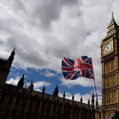 """Общество: Власти Великобритании могут вести """"ковидные паспорта"""""""
