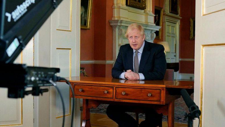 Общество: Джонсон объявил о завершении всеобщего национального карантина в Англии
