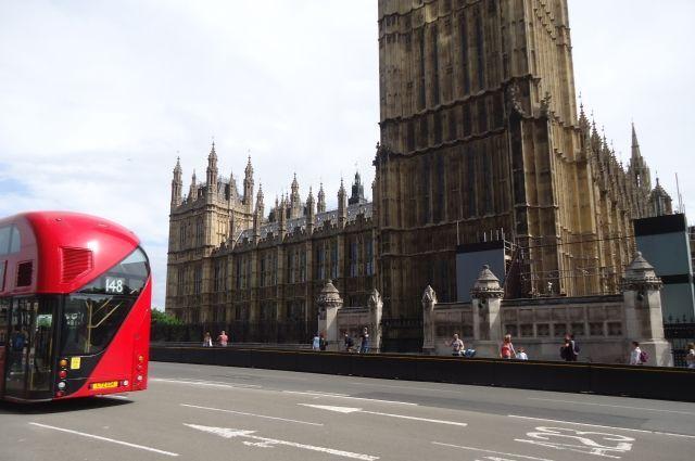 Общество: Власти Великобритании планируют сократить срок карантина для туристов