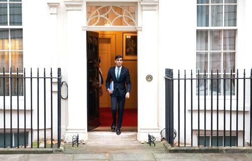 Общество: Великобритания ужимает помощь загранице