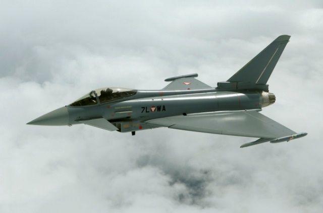Общество: ВВС Британии заявили о перехвате российских Ту-142 над Северным морем