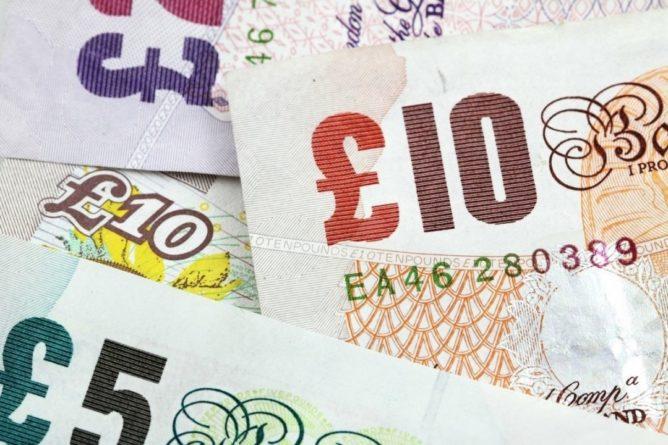"""Общество: Великобритания """"потеряла"""" банкноты на сумму 50 млрд фунтов стерлингов"""