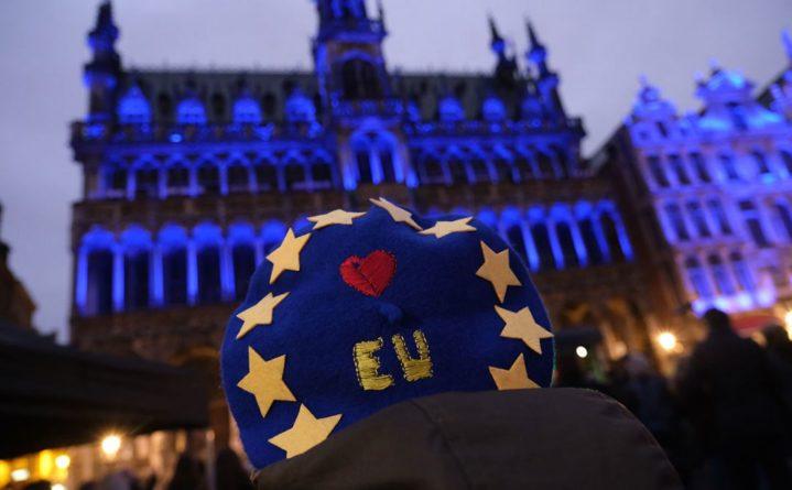Общество: Брюссель надеется, Лондон запасается
