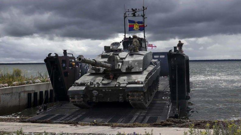Общество: Британия планирует сократить численность вооруженных сил