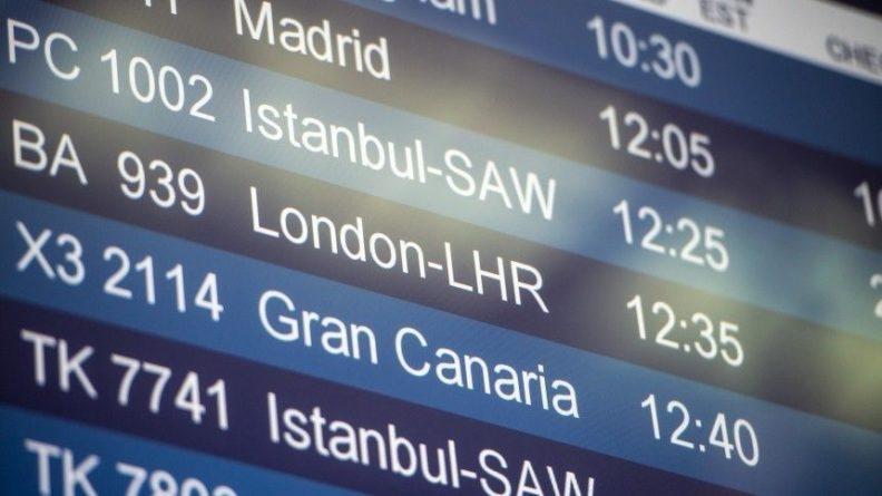 Общество: Россия прервет авиасообщение с Великобританией из-за нового штамма коронавируса