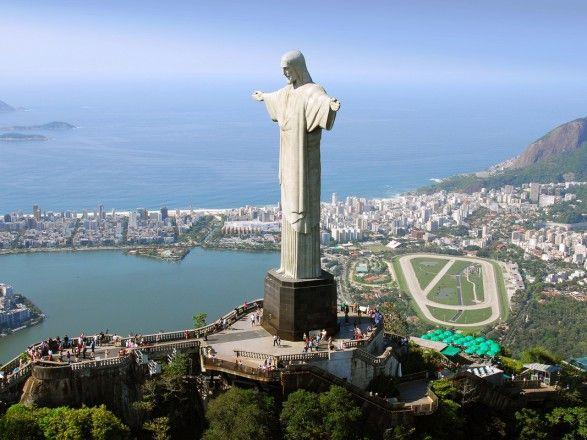Общество: Бразилия запретила рейсы из Великобритании через новый штамм COVID-19