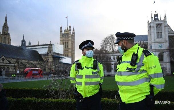 Общество: В Лондоне за руль скорых сели полицейские и пожарные