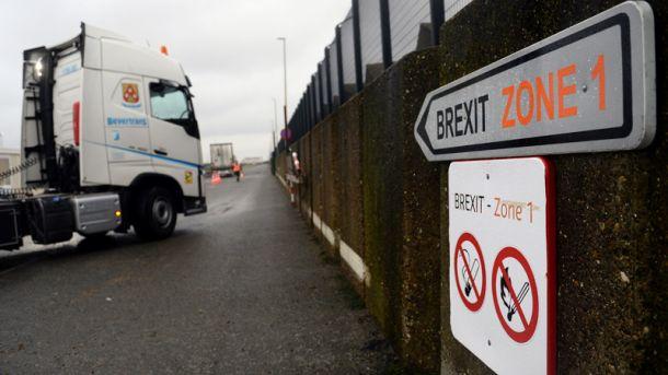 """Общество: """"Добро пожаловать в Brexit"""": нидерландские таможенники отбирают бутерброды у водителей из Британии"""