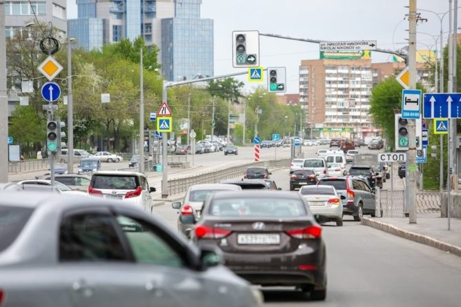 Общество: Екатеринбург обогнал Париж, Лондон и Нью-Йорк по величине дорожных пробок