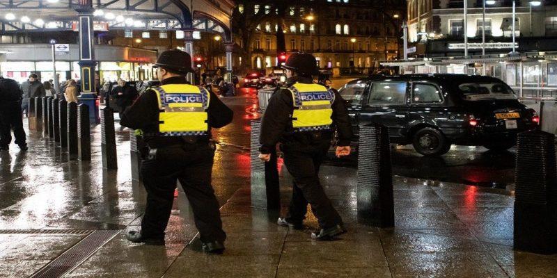Общество: Полиция разгоняет свадьбы ультраортодоксов не только в Бней-Браке, но и в Лондоне