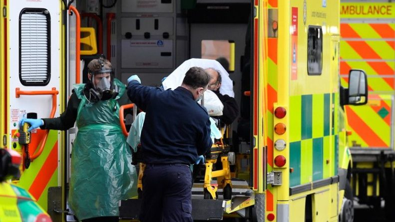 Общество: В Британии выявили более 33 тысяч случаев коронавируса за сутки