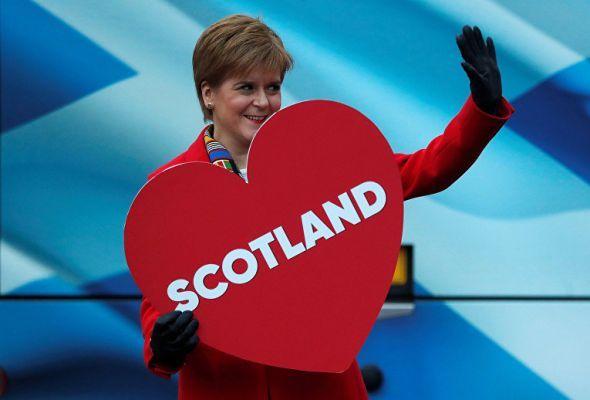 Общество: В Шотландии готовят референдум о независимости от Британии