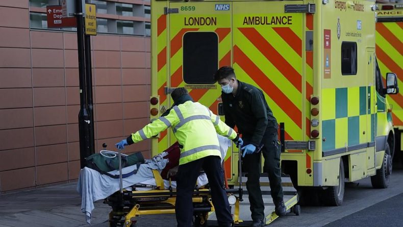 Общество: В Великобритании от COVID-19 умерли больше 100 тысяч человек