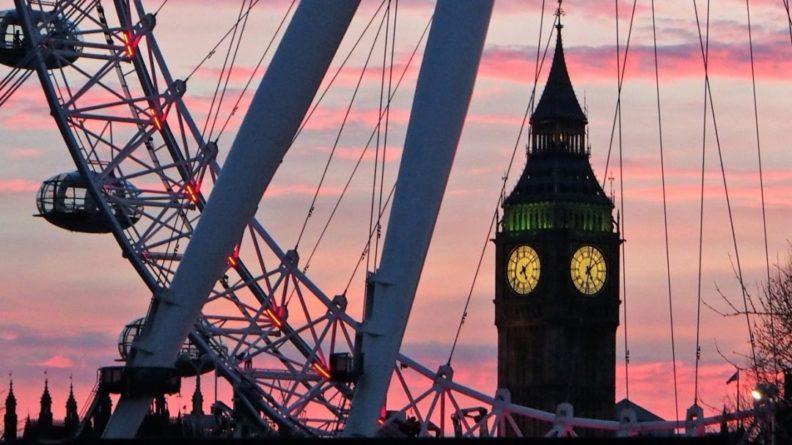 Общество: Великобритания отметила важность продления ДСНВ Россией и США