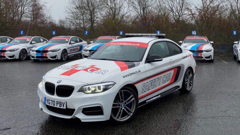 Общество: В Англии с гоночной трассы украли специальные автомобили безопасности и машину медиков BMW