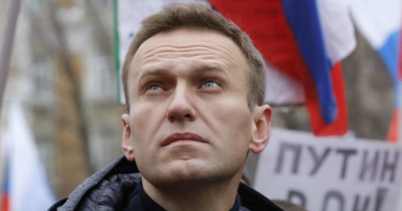 Общество: Британия угрожает России новыми санкциями из-за Навального