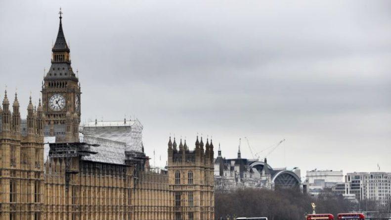 Общество: Лондон готов заморозить российские активы, несущие опасность британцам