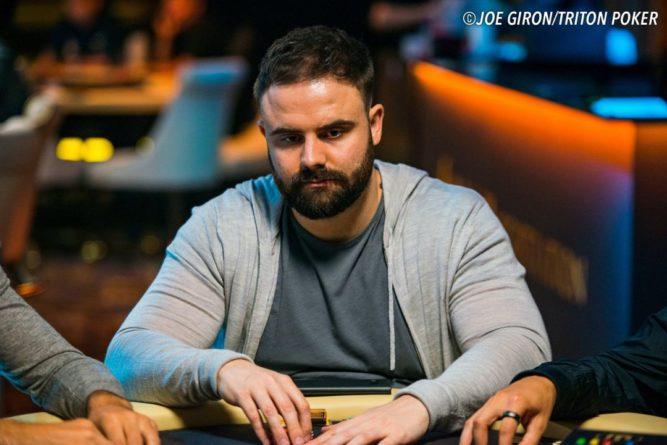 Общество: Британец выиграл 408 тысяч долларов в покерном турнире
