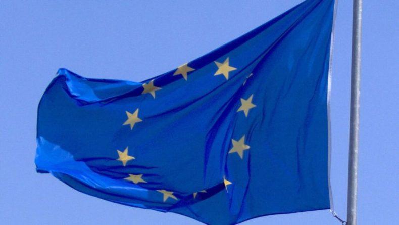 Общество: Миллионы доз вакцины от COVID-19 могут не доехать до Великобритании из ЕС