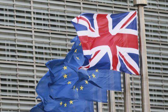 Общество: Между ЕС и Великобританией может начаться «вакцинная война»