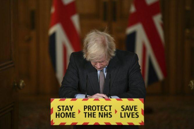 Общество: 100 тысяч смертей: почему Великобритания провалила борьбу с коронавирусом