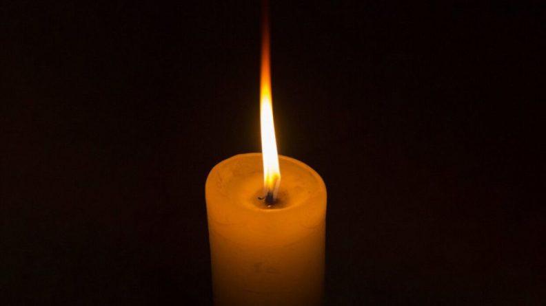 Общество: Помогавший медикам в борьбе с коронавирусом ветеран Томас Мур умер в Великобритании