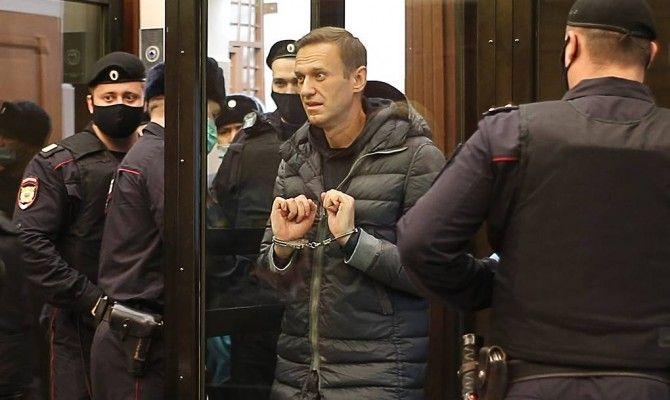 Общество: Берлин и Лондон осудили приговор Навальному