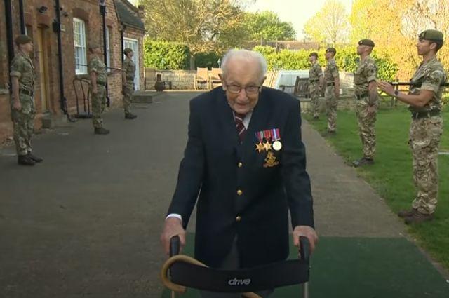 Общество: В Британии от COVID умер столетний ветеран, собиравший средства для медиков