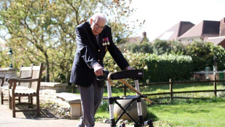 Общество: Герой Британии 100-летний Том Мур умер от заражения коронавирусом