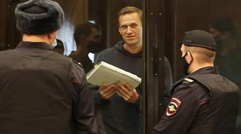 Общество: Лидеры Великобритании и Австрии призвали освободить Навального